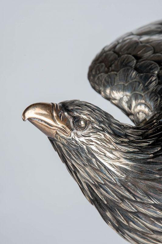 Minkoku - A Japanese okimono of a hawk