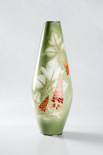 Ando - A Japanese cloisonne vase with flowers