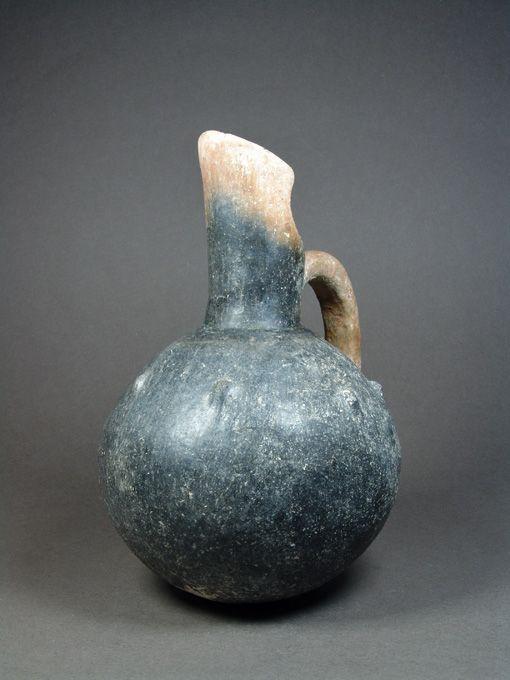 Anatolian Pottery Jug, Yortan Culture, 2700-2500 BC