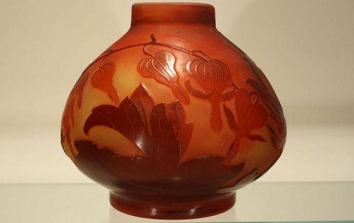 Galle Cameo Vase with Fuschia