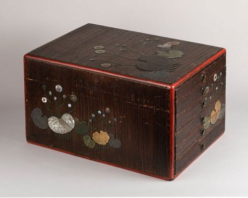 Dansu Japanese wood and lacquer cabinet Edo early19th