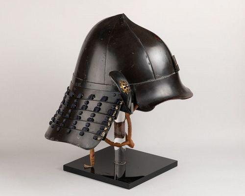 Kabuto - black lacquer helmet of momonari shape. Japan Edo 18th