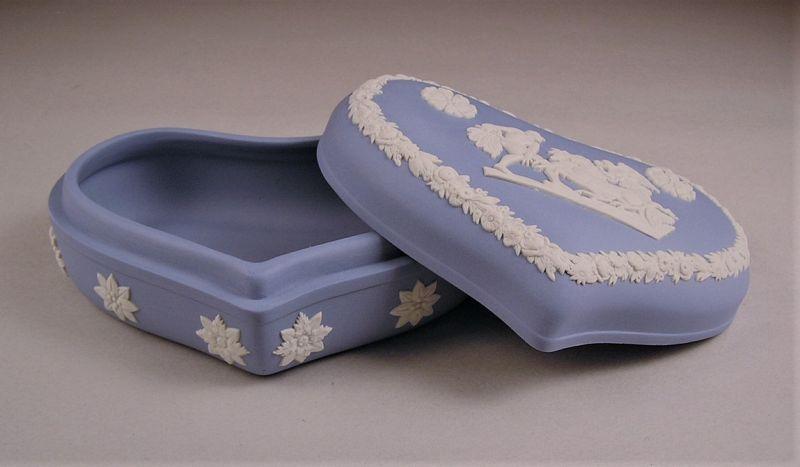 Lovely Wedgwood Jasper Ware Heart Trinket Box / Candy Box Light Blue