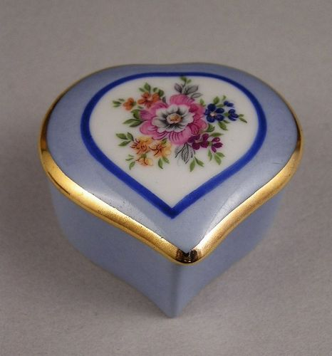 Porcelain Limoges Trinket Heart Shape Box w/Gold
