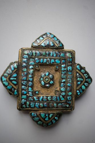 Tibetan Silver and Turquoise Floral Pattern Encrusted Filigree Amulet