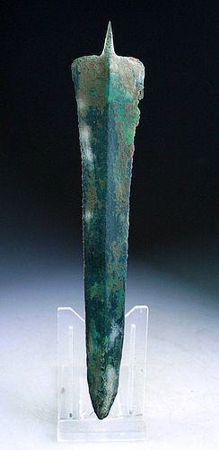 Early Luristan tanged bronze dagger, 2nd. millenium BC.