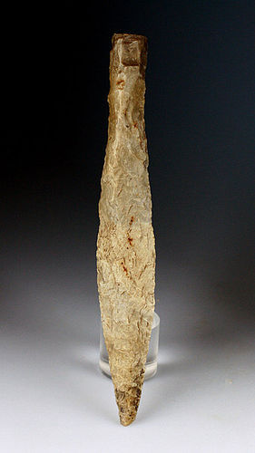 Fine Danish Neolithic Silex lancet dagger w. handle ca. 1800 BC
