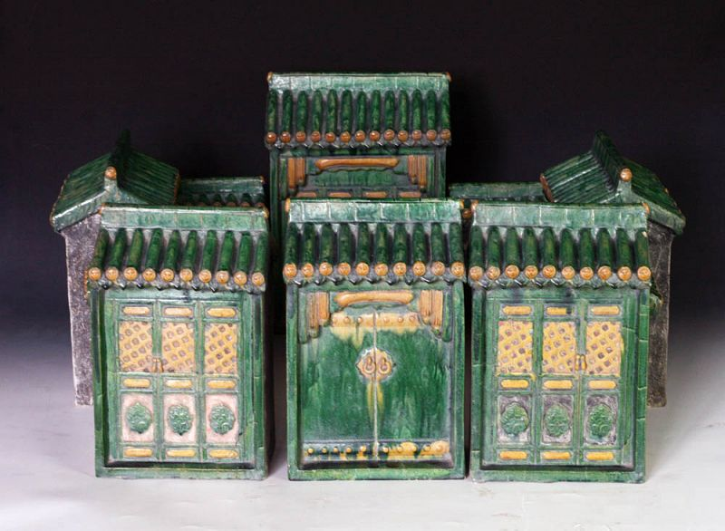 Museum quality pottery model of a Chinese Court house, Ming Dynasty