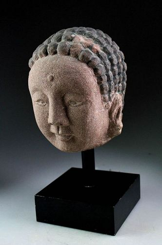 Expressive Chinese Ming Dynasty stone head of Buddha 14th.-16th cent