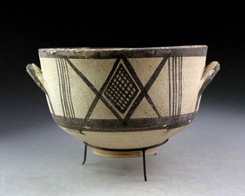 Large & superb Cypro-Geometric bichrome pottery bowl (Kylix)!
