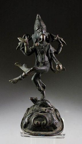 Choice antique  India bronze figure of Ganesha Dancing on a Rat!