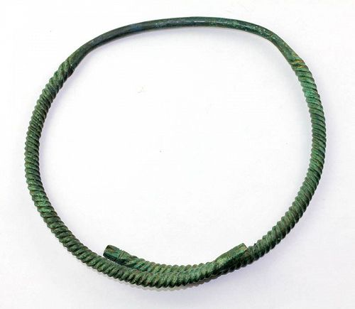 Scarce and beatiful Viking Neck Torc, Baltic area, ca. 10th. cent. AD