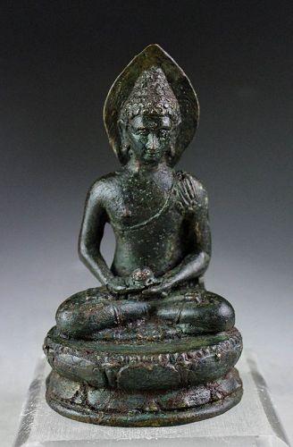 Superb Quality Borobudur bronze figure of Buddha, 8th. cent AD.