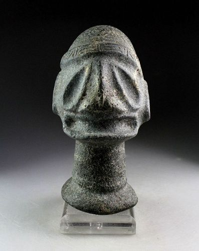 Important giant Taino carved stone head Pestle, 1000-1500 AD