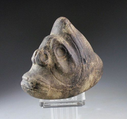 Interesting Pre-Columbian Taino brown Stone Three Pointer Zemi!