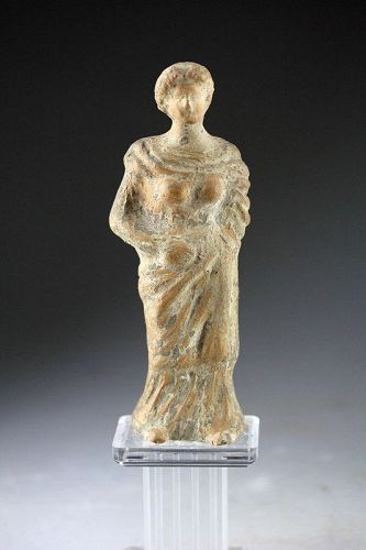Fine South Italian Tanagra pottery buriel figure, ca. 4th. century BC