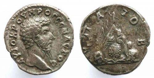 Wonderful scarce silver didrachm of Lucius Verus, w. M. Argaeus!