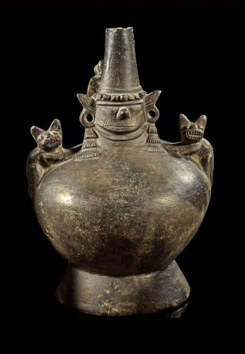 Wonderful Pre-columbian Lambayeque Jaguar vessel, ca. 700-900 AD