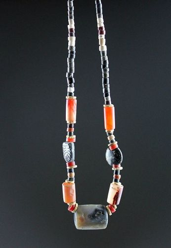 High quality ancient necklace with gable stone seal, 4th.-2nd mill. BC