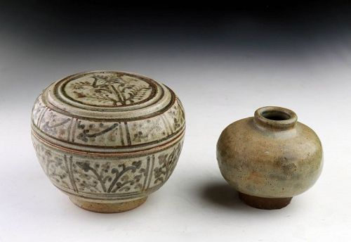 Thai Sawankhalok glazed pottery Covered Box and Bottle, 14th-15th cent