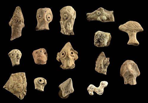 Selection of Syro-hittite pottery heads & Mesopotamian stone amulet!
