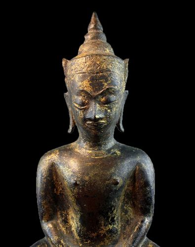 Important Thai gilt bronze figure of the seated buddha, 15th. century