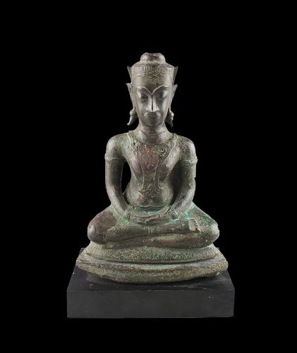 Lovely massive Early Thai bronze figure of Buddha, ca. 14th. cent.
