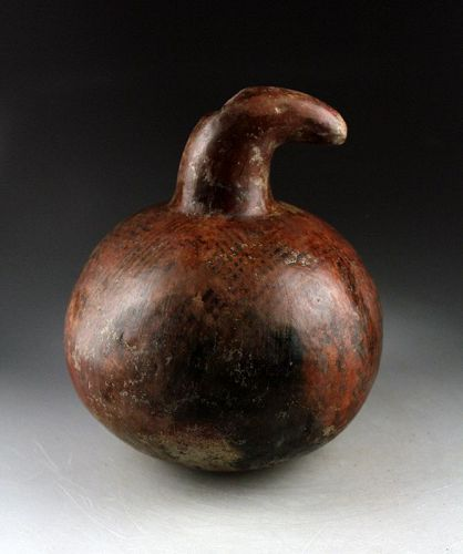 Large & lovely Zoomorphic Narino pottery vessel, 8th.-15th. cent. AD.