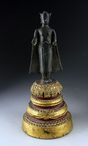 Fine Early Thai standing bronze figure of buddha 15th.-16th. cent. AD