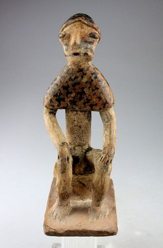 Large superb Narino Seated Coca Chewer pottery figure - gem!