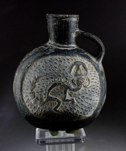 Attractive pre-columbian pottery vessel w warrior, Chimú 900-1200 AD