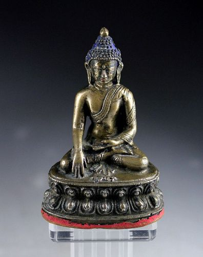 Early Sino-Tibetan or Chinese solid silver Buddha, ca. 18th. cent!
