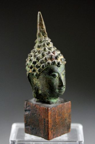 Choice Sukhothai bronze head of Buddha, 15th.-16th. century AD