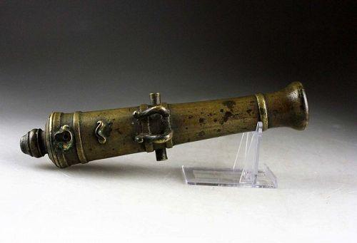 Superb European baroque bronze signal cannon, 18th. century AD.