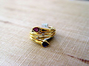 Toi-et-Moi 18K. Gold Ring w. Sapphire-Ruby-Diamonds