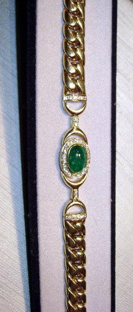 Solid 18K. Bracelet with Cabochon Emerald & Diamonds