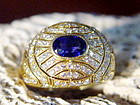 18K. Gold Ring set with Blue Sapphire & Pave Diamonds