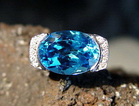 Very Large Blue Topaz-Diamond Ring 18K. White Gold