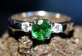 Solid 18K. White Gold Ring with Green Garnet & Diamonds