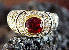2-Tone Solid 18K. Gold Ring with Thai Ruby & Diamonds