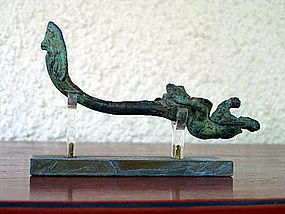 Rare ANGKOR KHMER BRONZE GARUDA WITH FINIAL, 12th Century