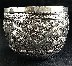 FINE HANDCRAFTED THAI SILVER CEREMONIAL BOWL 19th Cent.