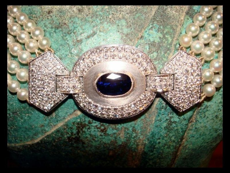 CULTURED JAPANESE PEARL NECKLACE WITH BLUE SAPPHIRE 18K. WHITE GOLD