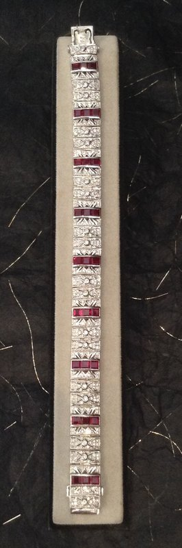 IMPORTANT 18K. WHITE GOLD BRACELET WITH PIGEON BLOOD RUBIES & DIAMONDS