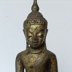 SILVER ALLOY AVA BUDDHA 17/18TH CENTURY, GOLD PATINA