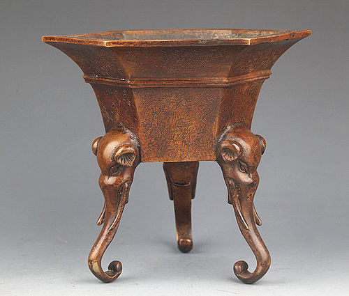 FINE QING DYNASTY BRONZE ELEPHANT FOOT CENSER WITH MARKINGS