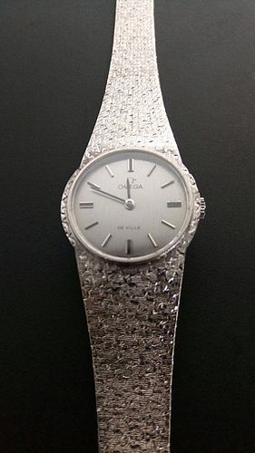 OMEGA DE VILLE  REF. 7257, 18K. WHITE GOLD LADY'S WRISTWATCH