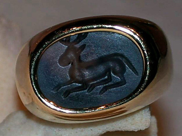 18K. Intaglio Pyu Ancient Carved Deer Agate Seal Ring
