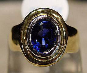 Large and Fine Oval Blue Ceylon Sapphire Ring, 18K.