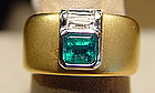Emerald/Diamond Ring 18K. sandblasted yellow gold